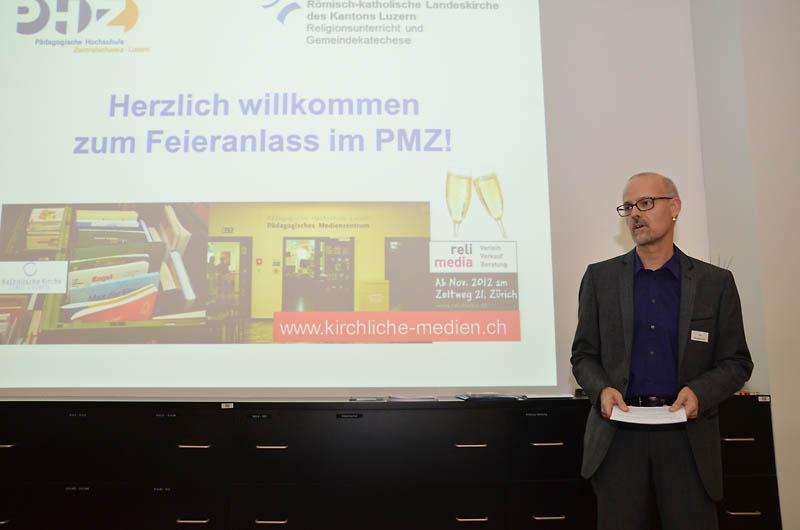 Urs Stadelmann, Stellenleiter «Kirchliche Medien», begrüsste, dankte und führte durch den Anlass.