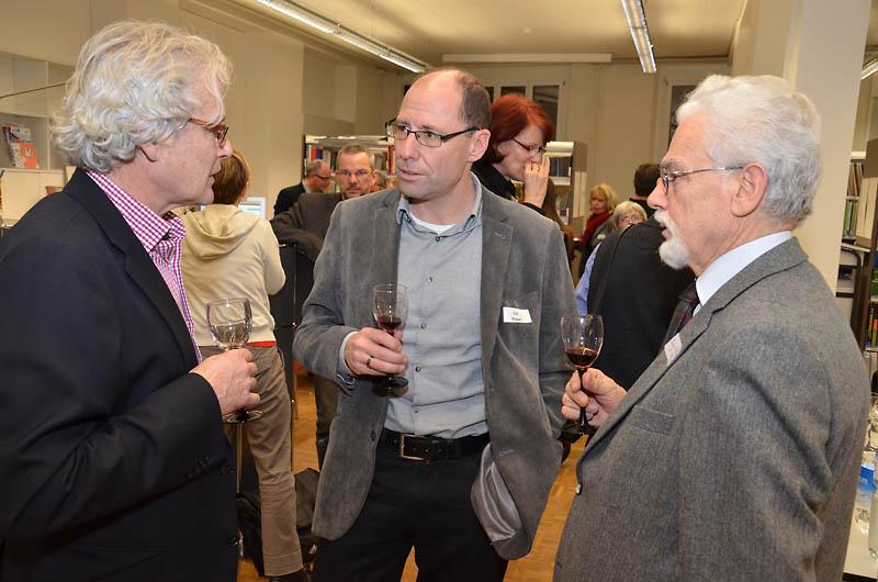 Projektberater und -begleiter Bruno Christen, Synodalverwalter Edi Wigger und Synodalratspräsident Armin M. Betschart im Gespräch.
